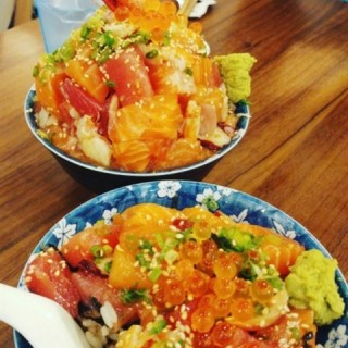 Basic Chirashi and Premium Chirashi - 位於Upper Thomson的Takumi by Sushiro (Upper Thomson) | 新加坡