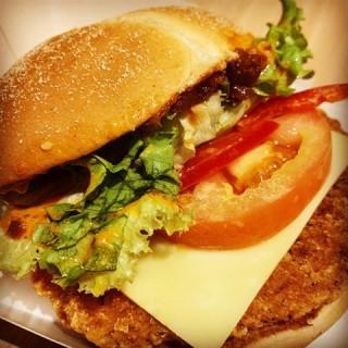 Red Hot Spicy Peppers Burger - 位于的McDonald's (巴西立) | 新加坡