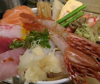 超盛牡丹蝦海鮮丼 -  dari 二男小家料理 (中和區) di  |New Taipei / Keelung